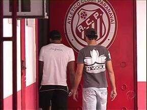 Jogadores do ACP em greve por salários atrasados - Os jogadores disseram que só voltam aos treinos depois que a diretoria do clube resolver a situação.
