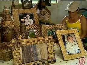 Agricultoras de Minas Gerais produzem artesanato com planta nativa - O grupo de artesãs usa a taboa, planta típica de brejos e várzeas, como matéria-prima para produzir peças. Com a iniciativa, muitas famílias estão garantindo uma renda extra.