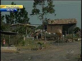 Casas construídas em área irregular serão demolidas pela prefeitura em Forquilinha - Casas construídas em área irregular serão demolidas pela prefeitura em Forquilinha