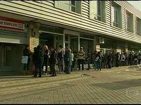 Protesto contra desemprego deve parar a Espanha - Mil policiais estão de prontidão nas ruas de Madri. O desemprego chegou a 6,2 milhões de pessoas sem trabalho, o que corresponde a 27% da população ativa do país.