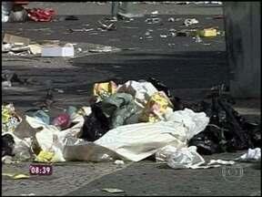 Vai doer no bolso! A partir de julho, RJ terá multa para quem jogar lixo nas ruas - Em São Paulo, a multa já existe desde 2002