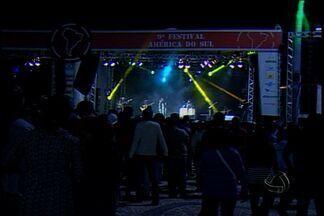 Estrutura para Festival América do Sul começa a ser montada em Corumbá - No começo da próxima semana, Corumbá recebe o Festival América do Sul. O quebra-torto, atividade cultural nascida na região, vai abrir o evento. A estrutura dos estandes já começou a ser montada.