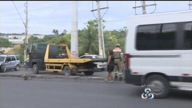Acidente entre três veículos deixa feridos em Manaus - Colisão deixa trânsito lento nos dois sentidos da Torquato Tapajós.