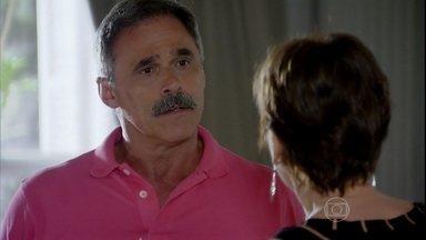 Nunes não concorda que Aída entre na Justiça contra Carlos - Leonor não acredita que Stenio aceitará defender a enteada