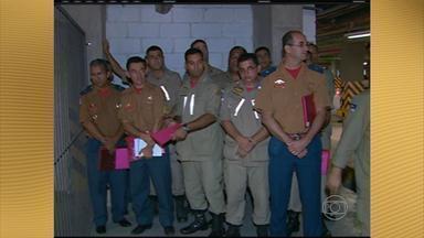 Bombeiros pernambucanos participam de treinamento em Caruaru - Trabalho faz parte da formação de uma equipe para fazer vistorias de segurança contra incêndio.
