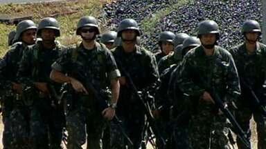 Exército faz treinamento especial para a Copa no Triângulo Mineiro - As atividades incluem simulações de confrontos e utilização de equipamentos de guerra.
