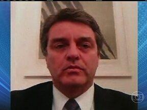 Brasileiro está em etapa final por disputa do comando da OMC - O embaixador Roberto Azevedo enfrentou nove candidatos e agora divide a disputa apenas com um mexicano. O diplomata disse que é preciso buscar novas soluções para o comércio mundial.