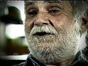 Músico, poeta e cientista Paulo Vanzolini morre de pneumonia em SP - Como cientista incansável, Vanzolini percorreu o Brasil e descreveu pelo menos 30 novas espécies, doou sua biblioteca para a USP e ajudou a criar a Fapesp, uma das principais instituições de fomento a pesquisa do país.
