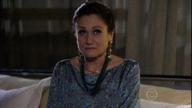 Berna se desespera ao saber o resultado do exame - Mustafa fica eufórico por Aisha não ser filha de Wanda