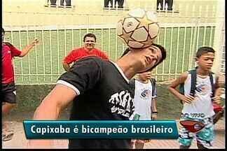 Capixaba é campeão brasileiro de embaixadinhas - Murilo Pitol vai ao Japão participar de mundial.