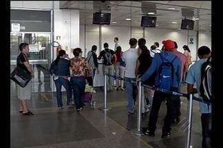 Passageiros enfrentam novos problemas para embarcar no aeroporto de Belém - Eles ficaram horas sem informações da companhia aérea, à espera de um voo para Macapá, que depois foi cancelado.