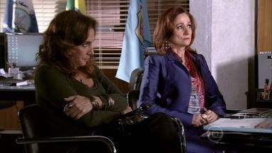 Berna teme que Wanda revele a verdade sobre o caso de Aisha - Helô tenta intimidar as duas e a traficante insiste em dizer que é inocente