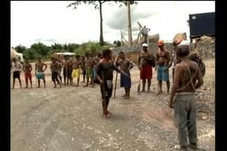 Índios de três etnias ocupam o canteiro de Belo Monte - Índios de três etnias ocupam o canteiro de Belo Monte