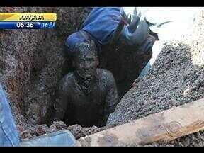 Operário, soterrado em obras, passa bem em Xanxerê - Operário, soterrado em obras, passa bem em Xanxerê