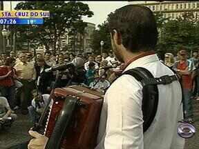Acontece a 2ª edição do Festival Brasileiro de Música de Rua em Caxias do Sul, RS - Variedade de ritmos e estilos musicais vai até domingo (5).