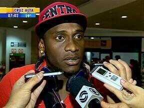 Inter está de volta a capital gaúcha - O time colorado retornou de Recife, em Pernambuco, nesta quinta-feira (2).