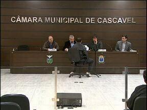 CPI convoca mais quatro funcionários da prefeitura para depor sobre retirada de asfalto - Outros oito servidores devem dar explicações até o fim da investigação.