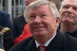 Sir Alex Ferguson anuncia sua saída do Manchester United após 27 anos - Diretoria do Manchester ainda não anunciou qual será o substituto de Ferguson.
