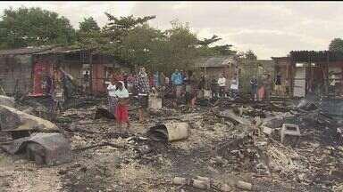 Solidariedade mobiliza vítimas do incêndio na comunidade México Setenta - Apesar de todo o sofrimento as vítimas do incêndio se ajudam.