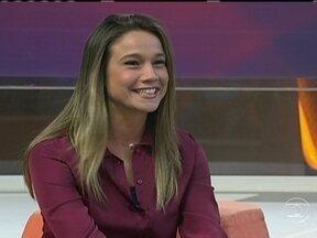 Fernanda Gentil fala sobre a apresentação do 'Placar da Rodada' - Apresentadora diz que gosta da adrenalina do programa ao vivo.
