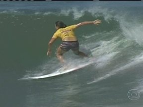 Australiana Tyler Wright vence a etapa brasileira do Mundial de Surfe - Atleta de 19 anos derruba atual campeã na decisão e assume a liderança do ranking.