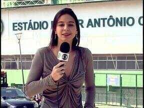 """Times indefinidos para o Atletiba de amanhã - Tanto Marquinhos Ferreira como Arthur Bernardes preferem deixar no """"ar"""" as equipes que entram em campo amanhã na decisão do Paranaense"""