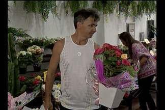 Floriculturas ficam lotadas em Belém neste sábabo (11) - Procura por flores foi intensa na capital, na véspera do dia das mães.