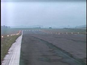 Aeroporto de Erechim, RS, está fechado para pousos noturnos - Farol rotativo que auxilia os pilotos nos pousos está com problemas.