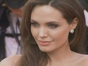 Dráuzio Varella analisa decisão de Angelina Jolie de retirar os seios - No Fantástico deste domingo, o doutor esclarece: será que a mulher que tem o gene da doença deve tomar essa decisão radical?