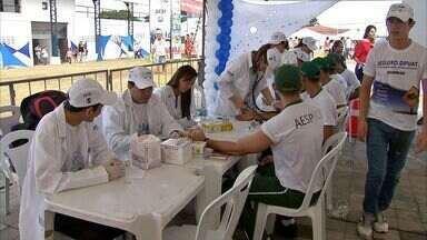 População de Caucaia recebe o Ação Global - População tem acesso a serviços gratuitos.