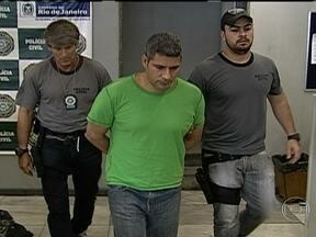Suspeito de estupro no metrô é reconhecido por vítima - Adriano William de Oliveira aparece nas imagens divulgadas pela polícia num metrô no dia do crime, em janeiro. A polícia teve dificuldade de encontrá-lo porque ele já estava preso por um roubo que cometeu em fevereiro.