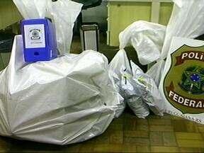 Polícia Federal apreende cerca de R$ 300 mil em uma casa de câmbio clandestina - Casa de câmbio fica em Uruguaiana, RS.