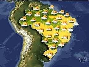 Previsão é de chuva forte em algumas regiões do país nesta segunda (27) - Deve chover forte em parte da região Norte e no litoral do Maranhão por causa do tempo abafado. Também tem previsão de chuva intensa para o sudeste de Goiás e para o Triângulo Mineiro, devido a áreas de instabilidade.