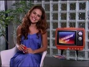Paloma Bernardi adora ter cabelo cacheado: 'Acho selvagem' - No A Telinha Quer Saber, atriz conta também o que não falta na geladeira