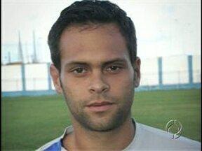 Tubarão anuncia reforço para a série D - Augusto Ramos, que vem do Confiança de Sergipe e foi vice-campeão paulista em 2001 pelo Botafogo de Ribeirão Preto, vai vestir a camisa 6 do Londrina