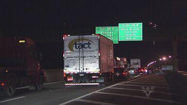 Trânsito nas rodovias da região chegam a 55 quilômetros de congestionamento - Problema foi causado por uma decisão da prefeita de Cubatão, Márcia Rosa
