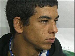 Um dos suspeitos de matar cobrador de ônibus foi preso - O crime foi num assalto na estrada da Ribeira.