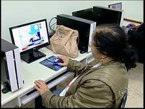 Projeto faz a inclusão digital de idosos em Tatuí, SP - Em tempos de internet e tecnologia, não dá pra ficar pra trás. Em Tatuí (SP), um projeto desenvolvido pelo Fundo Social de Solidariedade tem como objetivo a inclusão digital das pessoas da terceira idade.