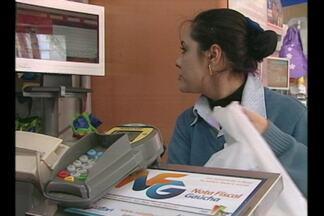 Programa do governo do estado incentiva os consumidores a pedirem a nota fiscal - A iniciativa distribui prêmios a quem adere a campanha.