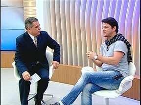 Ator Marcelo Serrado chega a Florianópolis para apresentar 'Tudo é Tudo, Nada é Nada' - Ator Marcelo Serrado chega a Florianópolis para apresentar 'Tudo é Tudo, Nada é Nada'.