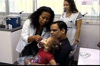 Vacinação contra paralisia infantil começa no ES - Mais de 220 mil crianças devem ser vacinadas contra poliomelite no ES.