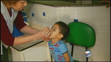 Começa a campanha nacional de vacinação contra a paralisia infantil - Começa a campanha nacional de vacinação contra a paralisia infantil