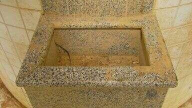 Fonte abandonada com alto teor de ferro vira polêmica em São Lourenço - Fonte abandonada com alto teor de ferro vira polêmica em São Lourenço