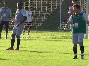Vitória se prepara para a partida coontra o Atlético-PR neste domingo - O atacante Rômulo, eleito craque do Baianão, pode estrear pelo rubro-negro na partida.