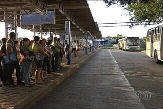 CMTC deve ser notificada sobre redução da tarifa de ônibus nesta quarta-feira - A Companhia Metropolitana de Transporte Coletivo deve receber na manhã desta quarta-feira (12) a notificação da Justiça mandando baixar o preço para R$ 2,70. Por enquanto, a passagem ainda é vendida a R$ 3.