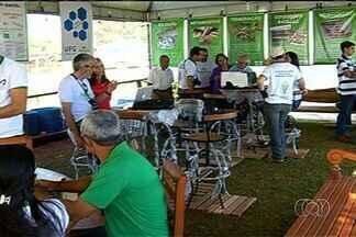 Cursos de agronegócio são uns dos destaques da Exposição Agropecuária de Jataí - A Exposição Agropecuária de Jataí deve movimentar cerca de R$ 30 milhões em negócios. Inclusive, os cursos de agronegócio atraem muitas pessoas para a feira.