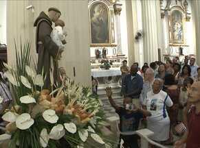 Devotos comemoram Dia de Santo Antônio em Salvador - Mais de 60 igrejas de Salvador e Região Metropolitana celebraram a data com missa.
