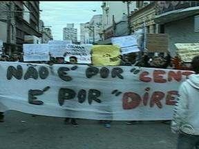 Onze mil pessoas participaram das manifestações em Pelotas, RS - Protestos na cidade começaram por volta das 17h.