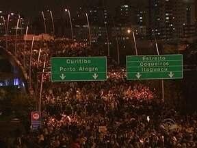 Cerca de 30 mil participaram de manifestações em Florianópolis - Cerca de 30 mil participaram de manifestações em Florianópolis
