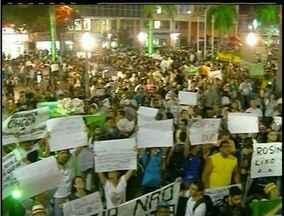 Manifestação com 5 mil em Campos, RJ, termina sem registro policial - Ato terminou na frente da prefeitura da cidade.Polícia apenas acompanhou e não precisou agir em nenhum momento.